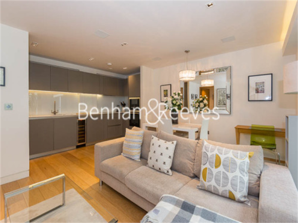Property & Flats to rent with Benham and Reeves (City) L2L400-373