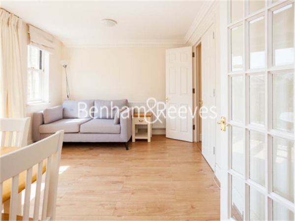 Property & Flats to rent with Benham and Reeves (Kensington) L2L401-149