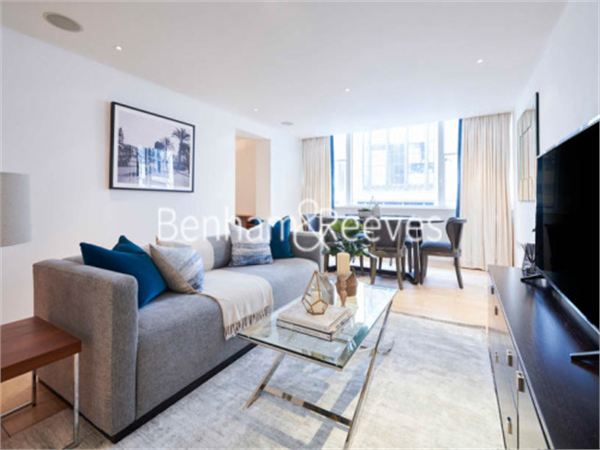Property & Flats to rent with Benham and Reeves (Kensington) L2L401-137