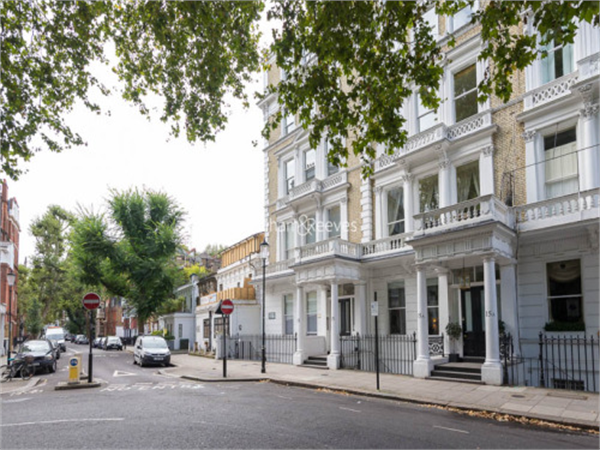 Property & Flats to rent with Benham and Reeves (Kensington) L2L401-454