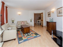 2 Bed Flats And Apartments in Queens Gate property L2L401-378