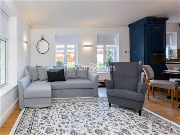 Property & Flats to rent with Benham and Reeves (Kensington) L2L401-434