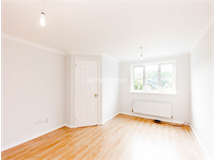 4 Bed House in Friern Barnet property L2L403-217