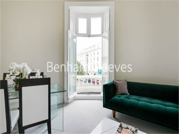 Property & Flats to rent with Benham and Reeves (Knightsbridge) L2L404-186