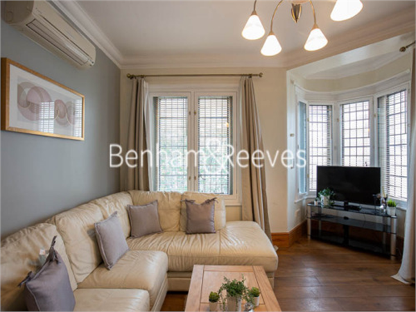 Property & Flats to rent with Benham and Reeves (Knightsbridge) L2L404-675