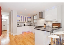 4 Bed Flats And Apartments in Ravenscourt Park property L2L4053-268