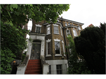 1 Bed Flats And Apartments in Eltham property L2L408-120