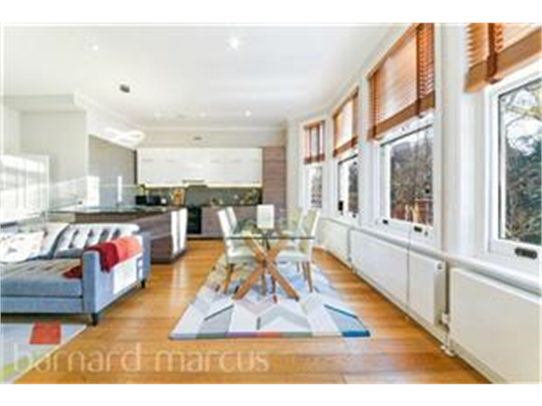 Property & Flats to rent with Barnard Marcus (Earls Court) L2L417-569