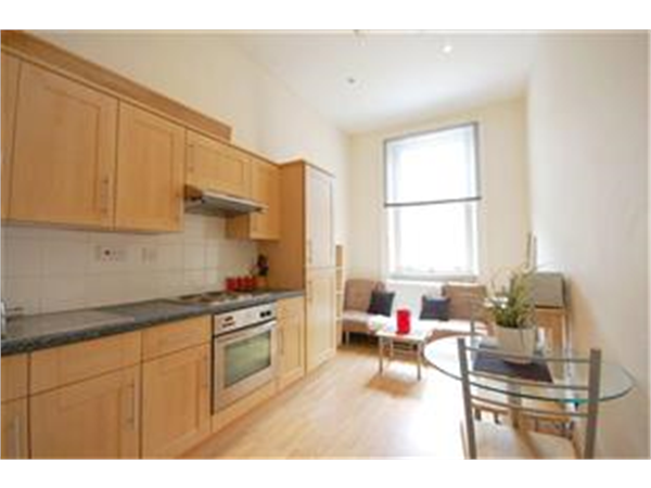 Property & Flats to rent with Barnard Marcus (Earls Court) L2L417-571