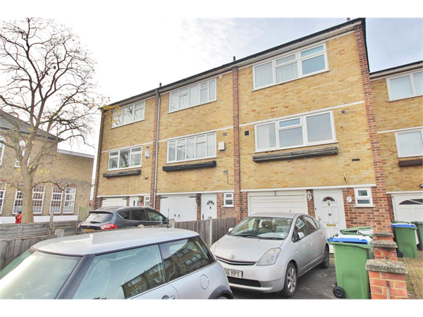 Property & Flats to rent with Hunters - The Estate Agent (Bexleyheath) L2L4180-202
