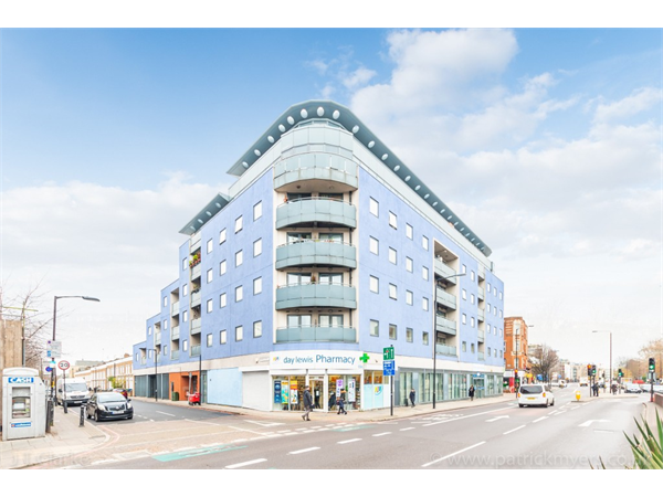 Property & Flats to rent with JT Clarke London (Queens Road) L2L4182-1427