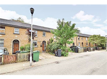 4 Bed House in Oval property L2L4182-380