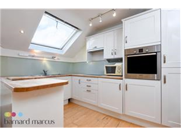 Property & Flats to rent with Barnard Marcus (Battersea) L2L419-423