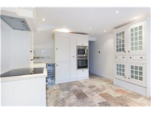 Property & Flats to rent with Barnard Marcus (Fulham) L2L420-320