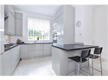 3 Bed House in Roehampton property L2L422-486