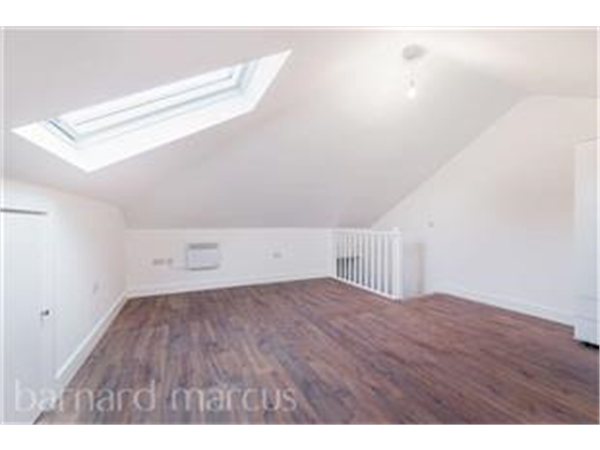 Property & Flats to rent with Barnard Marcus (North Finchley) L2L423-597