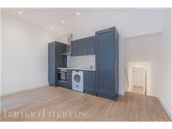 Property & Flats to rent with Barnard Marcus (North Finchley) L2L423-598