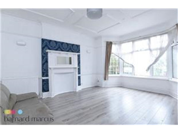 Property & Flats to rent with Barnard Marcus (North Finchley) L2L423-493