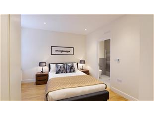 Property & Flats to rent with Barnard Marcus (Bedford Park) L2L425-678