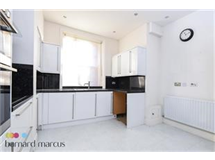 3 Bed Flats And Apartments in Turnham Green property L2L425-466