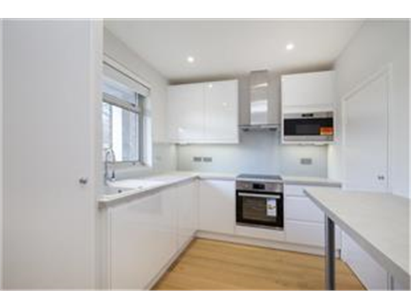 Property & Flats to rent with Barnard Marcus (Earlsfield) L2L426-453