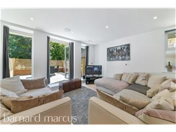 Property & Flats to rent with Barnard Marcus (Ealing) L2L429-591