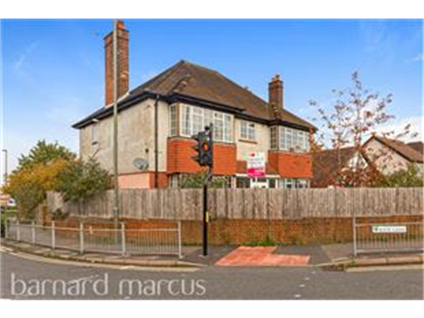 Property & Flats to rent with Barnard Marcus (Epsom) L2L431-428