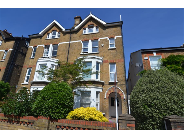Property & Flats to rent with Featherstone Leigh (Teddington) L2L4310-585