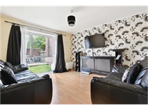 3 Bed House in Hanworth property L2L432-424