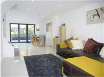 2 Bed Flats And Apartments in Richmond Upon Thames property L2L434-403