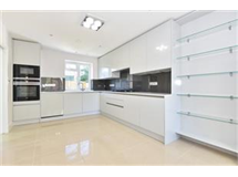 4 Bed House in New Malden property L2L436-455