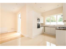 4 Bed House in New Malden property L2L436-432
