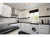 1 Bed Flats And Apartments in Tolworth property L2L436-333