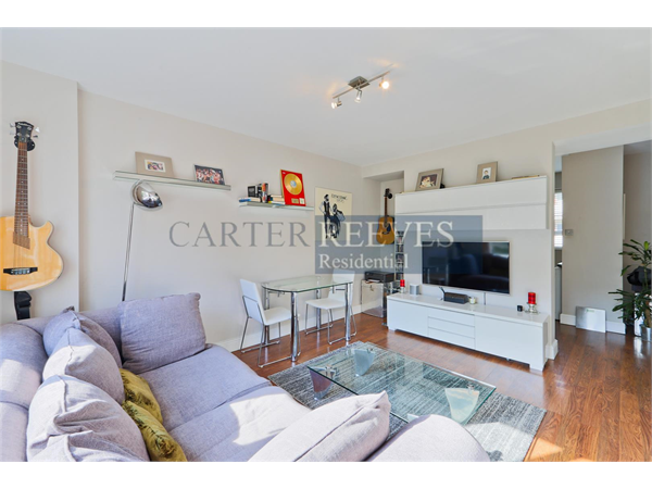 Property & Flats to rent with Carter Reeves L2L4376-893