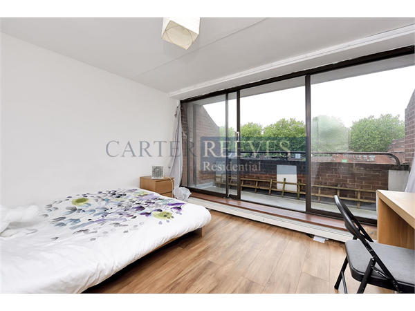 Property & Flats to rent with Carter Reeves L2L4376-2167