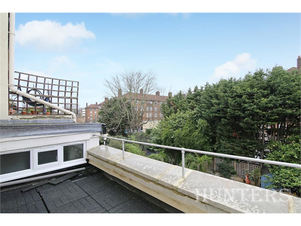 Property & Flats to rent with Hunters (Camberwell) L2L4393-509