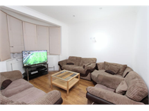 4 Bed House in Fullwell Cross property L2L4413-466