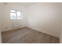 1 Bed House in Loxford property L2L4413-435