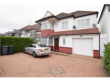 5 Bed House in Finchley Church End property L2L4562-380