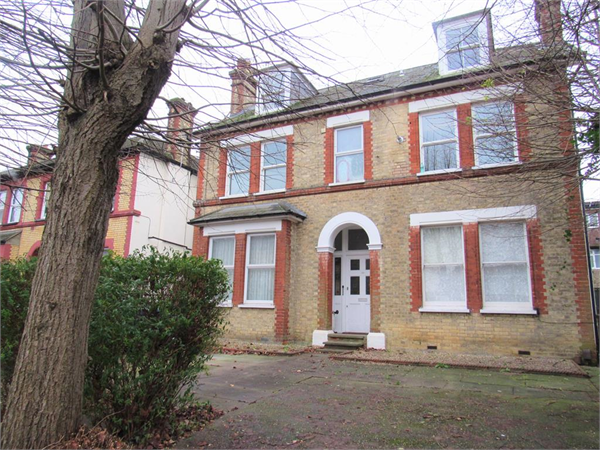 Property & Flats to rent with Bairstow Eves (Carshalton) L2L4577-516