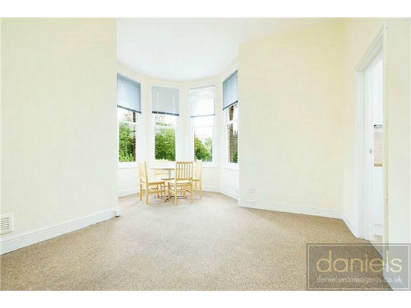 Property & Flats to rent with Daniels Estate Agents L2L4586-404