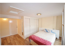 3 Bed Flats And Apartments in Brixton property L2L4599-243