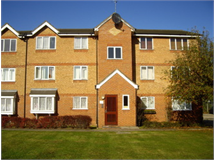 1 Bed Flats And Apartments in Cross Road property L2L4806-540