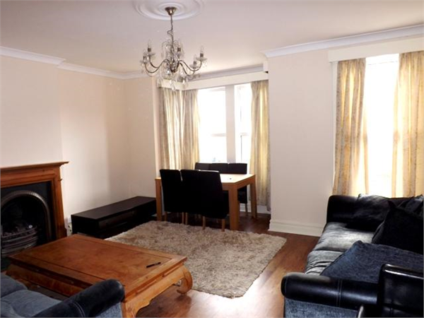 Property & Flats to rent with Hetheringtons (Lettings) (South Woodford) L2L4886-603