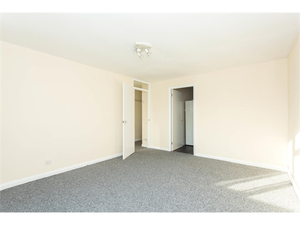 Property & Flats to rent with Hetheringtons (Lettings) (South Woodford) L2L4886-935