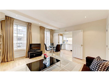 2 Bed Flats And Apartments in Fitzrovia property L2L497-2285