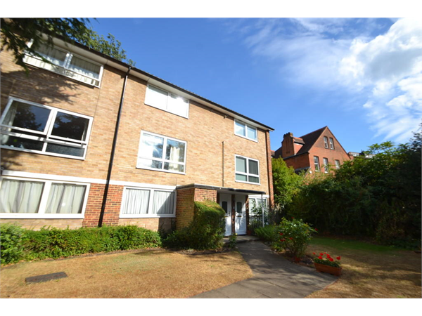 Property & Flats to rent with Greenfield Estate Agents (Surbiton) L2L5045-2911