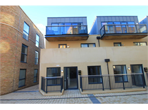 3 Bed Flats And Apartments in Surbiton property L2L5045-877