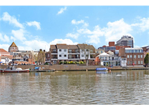 2 Bed House in Hampton Wick property L2L5111-1179
