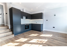 1 Bed Flats And Apartments in Twickenham Park property L2L5112-907